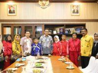Bupati Barru Ir. H. Suardi Saleh M.Si., melepas 3 Siswa Peserta O2SN mewakili Provinsi Sulawesi Selatan (Sulsel) di tingkat Nasional