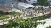 Tangkapan layar Video Aksi Baku Tembak TNI-Polri dengan KKB Papua yang Beredar di Medsos