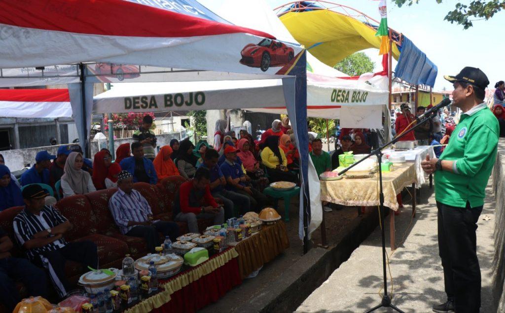 Bupati Barru Ir. H. Suardi Saleh melepas peserta lomba Katinting Race yang diselenggarakan di, Minggu (25/08/19).