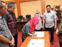 Proses penandatanganan kerja sama di Ruang Pola Kantor Bupati Bantaeng