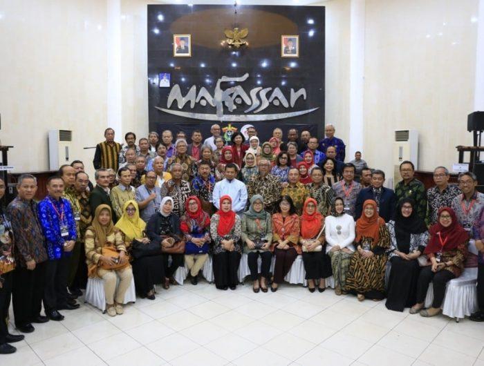 Forum Dewan Guru Besar Indonesia Dijamu Kuliner Khas Makassar