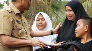 Bupati Barru Salurkan Bantuan untuk Korban Kebakaran di Padongko