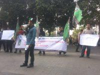 Lapenmi PB HMI menggelar aksi unjuk rasa di Depan kantor kementerian Lingkungan Hidup dan DPR RI, Kamis (26/9/2019).