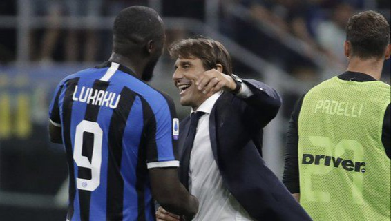 Romelu Lukaku dan Antonio Conte (c) AP Photo