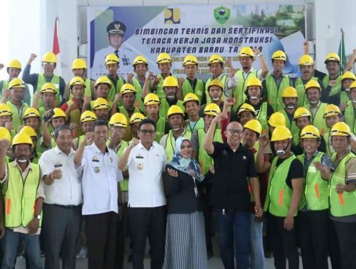 150 Orang Ikuti Bimtek dan Sertifikasi Tenaga Kerja Jasa Konstruksi Kabupaten Barru