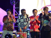 Gubernur Sulawesi Selatan, Nurdin Abdullah Tutup Festival Pinisi ke-10 di Bulukumba