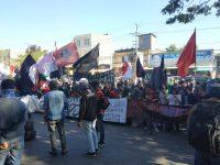 Front Mahasiswa Makassar kembali menggelar unjuk rasa di depan Kantor Gubernur Sulawesi Selatan, Jalan Urip Sumoharjo, Makassar, Senin (16/9/2019).