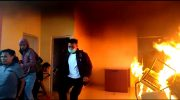 Massa membakar kursi di Kantor DPRD Bone.