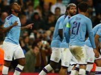 Skuat Manchester City merayakan gol Raheem Sterling ke gawang Dinamo Zagreb