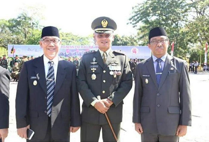 Wakil Bupati Barru Hadiri HUT ke-74 TNI di Lapangan Merdeka Watampone. (Ist)