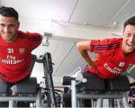 Mesut Ozil (kanan) (c) ARS