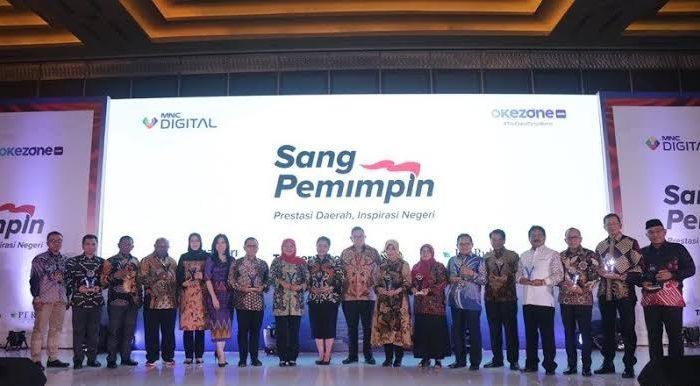 18 Kepala Daerah Penerima Penghargaan Sang Pemimpin
