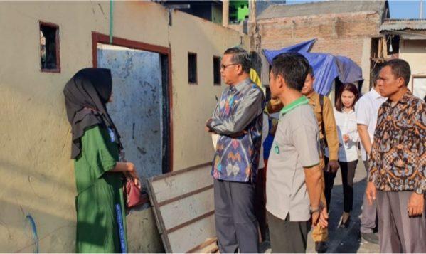 Gubernur Sulsel Bantu Pembangunan Rumah Korban Kebakaran di Makassar