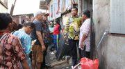 Iqbal Suhaeb Kunjungi Warga Korban Kebakaran di Toddopuli