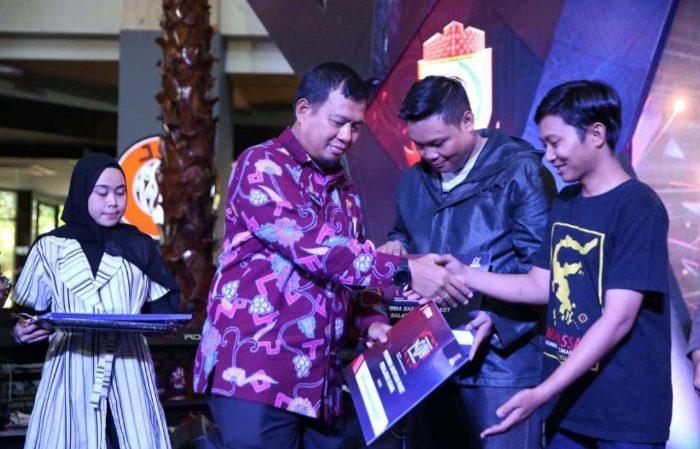 Pj Wali Kota Makassar saat membuka acara expo pemuda mandiri.