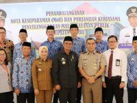 Penandatanganan Memorandum of Understanding (MoU) terkait perjanjian kerjasama penyelengaran Mal Pelayanan Publik Kabupaten Barru.