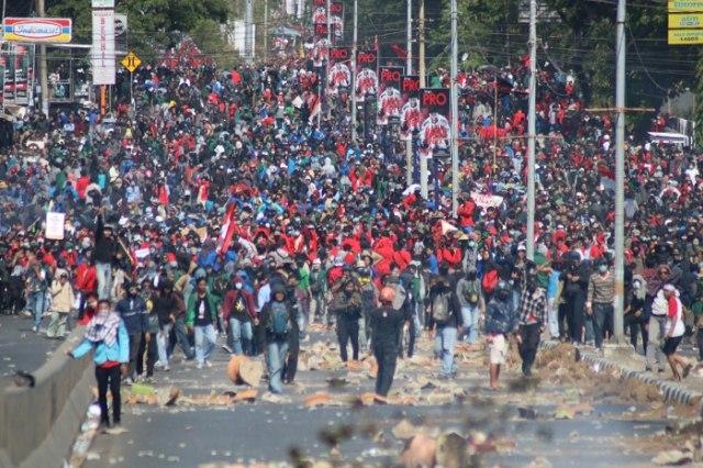 Aksi Demonstrasi Mahasiswa Makassar.