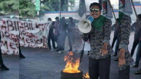 Sejumlah Mahasiswa asal Luwu menggelar unjuk rasa di Makassar