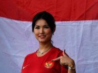 Maria Ozawa dukung Timnas Indonesia di Sea Games 2019 (ANTARA FOTO/Sigid Kurniawan/aww.)