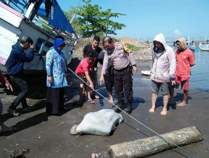 Warga Temukan Mayat Perempuan Terbungkus Seprai di Jembatan Barombong