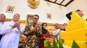 Gubernur Sulawesi Selatan, Nurdin Abdullah bahkan mendapat berbagai kejutan di Hari Ulang Tahunnya