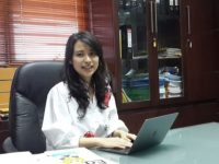 Risa Santoso, Rektor Termuda Usia 27 Tahun Bolehkan Mahasiswa Lulus Tanpa Skripsi
