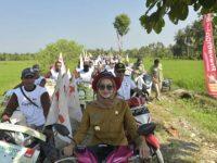 Bupati IDP bersama ratusan petani Road Show Produk Pertanian di Desa Cendana Putih