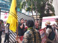 PC SEMMI) Jakarta Pusat menggelar aksi demonstrasi di kantor Badan Narkotika Nasional (BNN) Cawang, Jakarta, Jum'at (29/11/2019).