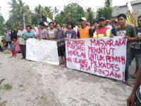 Gelar Aksi Unjuk Rasa, Ratusan Masyarakat Rinjani Luwu Timur Tuntut Pilkades Ulang
