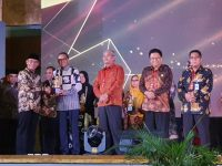 Nurdin Abdullah Terima Penghargaan Gerakan Indonesia Melayani Terbaik