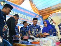 Pameran Produk Hasil Olahan Ikan antara Poklahsar dan UKM Binaan Dinas Perikanan Kabupaten Gowa di Halaman Kantor Dinas Perikanan Gowa, Jumat (20/12/2019).