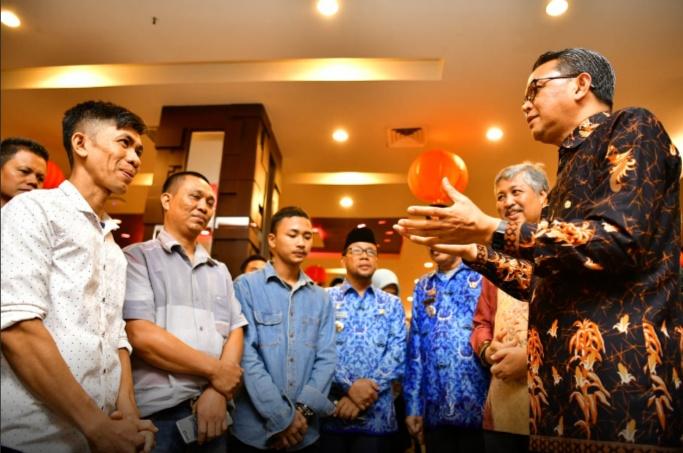 Apresiasi Karya Pembuat Pesawat di Pinrang, Gubernur Akan Carikan Tempat Belajar