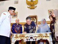 ADB - Pemprov Sulsel Jajaki Kerjasama Pembangunan Perumahan dan Air Bersih