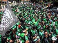Ribuan Ojol Geruduk Kantor Kemenhub dan Istana Negara