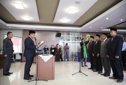 Pj Wali Kota Makassar, Iqbal Suhaeb Lantik Direksi PDAM Kota Makassar.