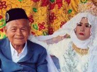Viral, Kakek 103 Tahun Ini Nikahi Perempuan Paruh Baya di Wajo