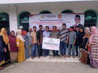 Berkunjung ke Pinrang, La Tinro La Tunrung Salurkan Bantuan