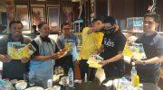 Partai Golkar Serentak Bagikan 8000 Masker Gratis