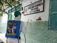 Tim Hasnah Syam Gelar Penyemprotan Disinfektan di Parepare, Sulawesi Selatan.