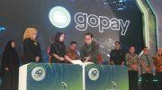 Penandatangan nota kesepahaman (MoU) antara GoPay dan Bank Sulselbar.