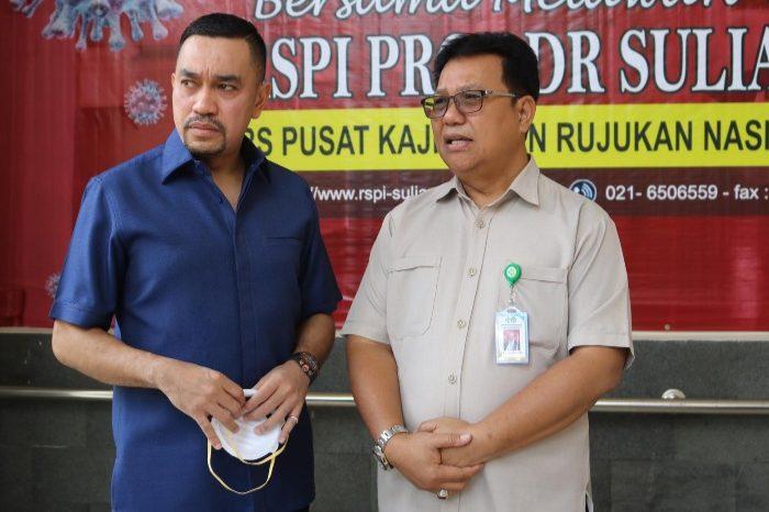Ahmad Sahroni Serahkan Bantuan APD ke Sejumlah Rumah Sakit di Jakarta