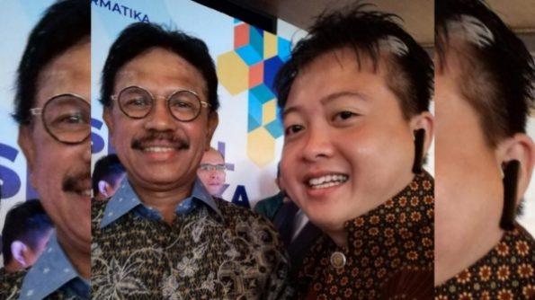 Menkominfo RI, Johnny G Plate bersama Ketua APJII Wilayah Sulawesi, Maluku dan Papua, Arry AS.