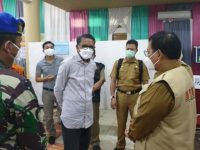 Gubernur Sulsel, Nurdin Abdullah mendatangi Posko Covid-19 Kota Makassar