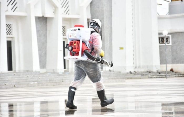 Cegah Corona, Titik Sentral di Kota Sungguminasa Disemprot Disinfektan
