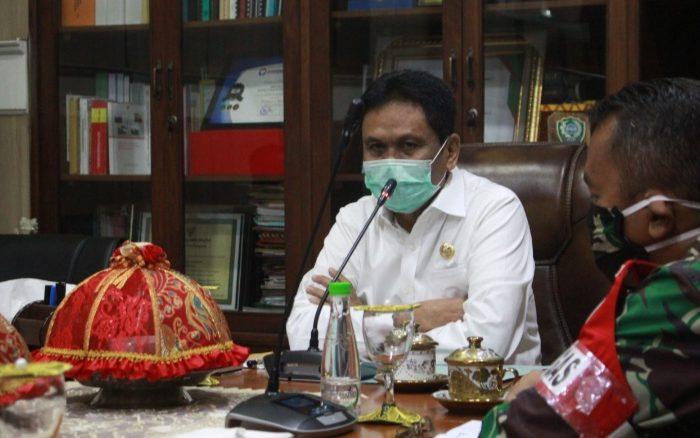 Pemkab Barru Upayakan Semua Warga Dibagikan Masker