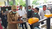 Bupati Bulukumba Terima Bantuan Masker dan Wadah Cuci Tangan dari JMS Care