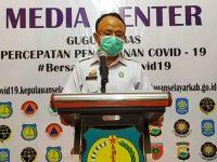 Juru Bicara Gugus Tugas Percepatan Penanganan Kasus Covid-19 Kabupaten Kepulauan Selayar, dr. Husaini saat menyampaikan keterangan pers.