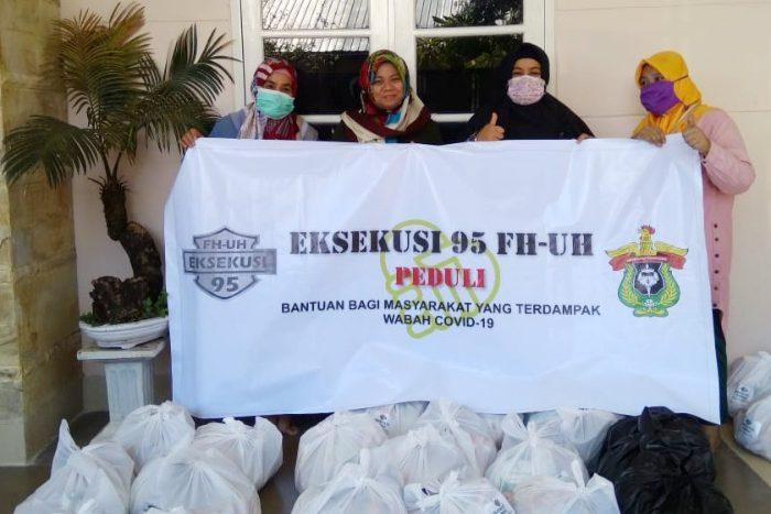 Eksekusi 95 FH Unhas Bantu Masyarakat yang Terdampak Covid-19