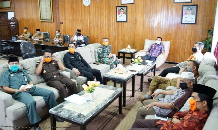Rakor dengan Gubernur Suslel, Bupati Selayar Lapor Pelaksanaan Salat Idul Fitri