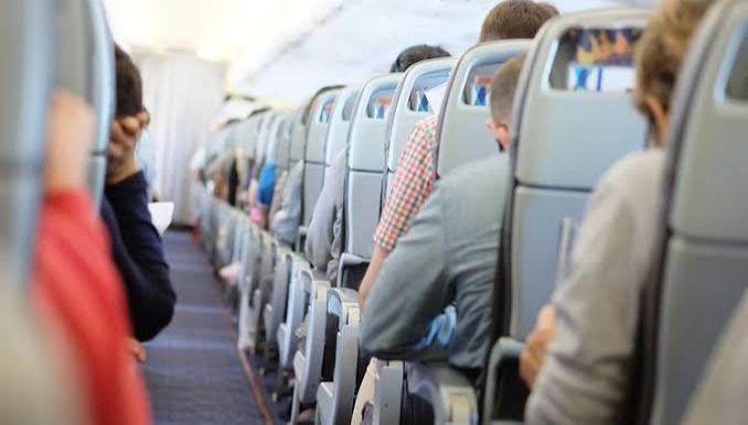 Ilustrasi penumpang pesawat. (Shutterstock)